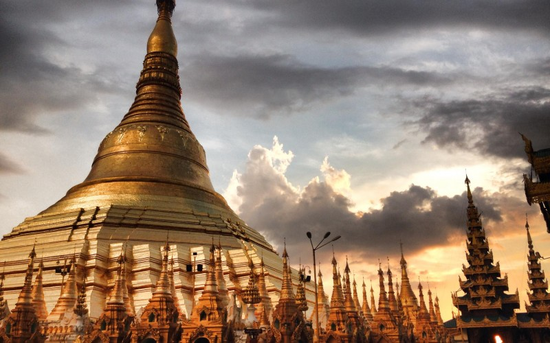 Myanmar, the innocence that captivates.